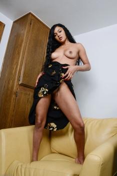 276058 - Nilah Sommers latinas