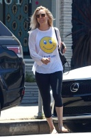 Kaley Cuoco - Outside a Nail Salon in Studio City