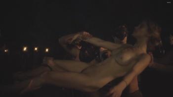 Amber Coney  nackt