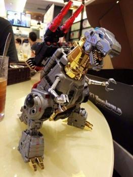 [Toyworld][Zeta Toys] Produit Tiers - Jouet TW-D aka Combiner Dinobots 2DcQDlOQ