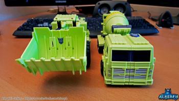 [Toyworld] Produit Tiers - Jouet TW-C Constructor aka Devastator/Dévastateur (Version vert G1 et jaune G2) - Page 6 BdATnia0