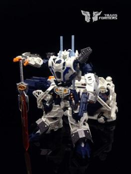[Mastermind Creations] Produit Tiers - Reformatted R-11 Seraphicus Prominon - aka Nova Prime K0vURPdb