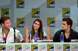Paul Wesley - Ian Somerhalder,   Nina Dobrev,  Paul Wesley,  Katerina Graham,  Matthew Davis - 'The Vampire Diaries' panel during Comic-Con International 2014 at San Diego Convention Center in San Diego (July 26, 2014) - 101xHQ U4a06XXR