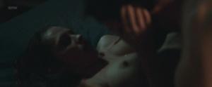 Teresa Palmer @ Berlin Syndrome (AU 2017) [HD 1080p WEB] Xo3tJ8Qr