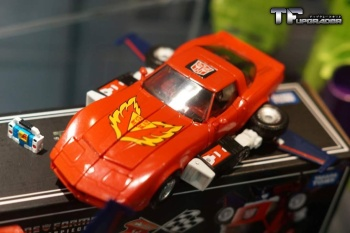 [Masterpiece] MP-25L LoudPedal (Rouge) + MP-26 Road Rage (Noir) ― aka Tracks/Le Sillage Diaclone XomzQc1W
