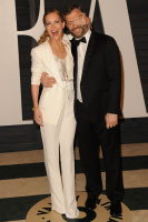 """Leslie Mann """"2015 Vanity Fair Oscar Party hosted by Graydon Carter at Wallis Annenberg Center for the Performing Arts in Beverly Hills"""" (22.02.2015) 126x  EAZQZQ2B"""