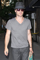 Ian Somerhalder - spotted doing some grocery shopping in NYC - May 17, 2012 - 9xHQ ZEsB3iwp