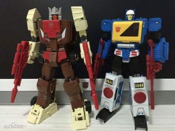 [KFC Toys] Produit Tiers - Jouet Transistor (aka Blaster/Tempo) + DoubleDeck (Twincast) + Fader (aka Eject/Éjecteur) + Rover (aka Autoscout) Mj7WjHzt