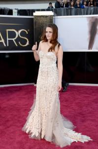 Kristen Stewart - Imagenes/Videos de Paparazzi / Estudio/ Eventos etc. - Página 31 AcbbNE74