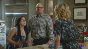 Ariel Winter in Modern Family S06 E24