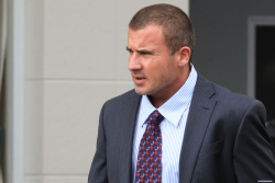 Dominic Purcell on the set of 'Bailout: The Age of Greed' - April 27, 2012 - 17xHQ 3zDzZJ3s