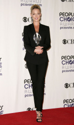 Katherine Heigl - 35th Annual People's Choice Awards, 7 января 2009 (58хHQ) G0W4DbUh