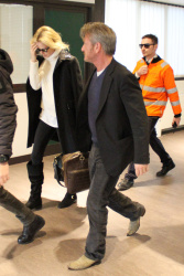 Sean Penn - Sean Penn and Charlize Theron - depart from Rome after a Valentine's Day weekend - February 15, 2015 (37xHQ) MT0rVB1f