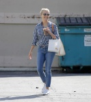 Reese Witherspoon Goes out Shopping in Santa Monica August 1-2015 x37