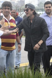 Ian Somerhalder - Loves his Brazilian fans 2012.06.01 - 18xHQ TZFgokEF