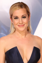 Kellie Pickler - 49th Annual CMA Awards @ the Bridgestone Arena in Nashville - 11/04/15