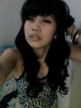Image Result For Chacy Luna Seksi Pose Di Ranjang