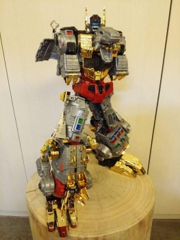 [Toyworld][Zeta Toys] Produit Tiers - Jouet TW-D aka Combiner Dinobots 8uGzd0hz