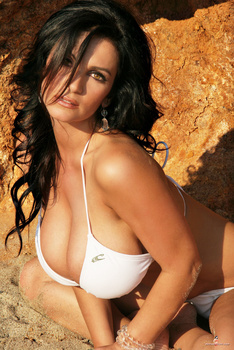 Дениз Милани, фото 4467. Denise Milani White Bikini (From Her Old Website), foto 4467