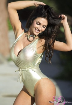 Дениз Милани, фото 4893. Denise Milani Gold One-Piece (Low Quality), foto 4893