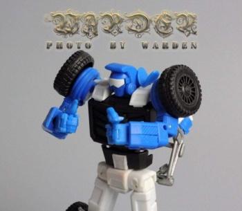 [X-Transbots] Produit Tiers - Minibots MP - Gamme MM - Page 3 NrKCKYNi
