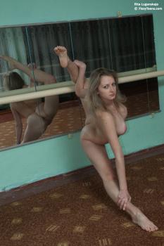 Sexy gymnast ninka motik 2