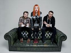 Paramore (Hayley Williams,  Jeremy Davis, Taylor York) - Chris McAndrew Photoshoot for The Guardian (February, 2013) - 35xHQ PbB6c9HL