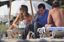 achrIb7N Ana Beatriz Barros in a bikini in Miami Beach   December 7, 2012   35 HQ candids