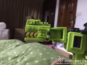 [Toyworld] Produit Tiers - Jouet TW-C Constructor aka Devastator/Dévastateur (Version vert G1 et jaune G2) - Page 3 RdCDIKpr
