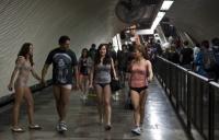 В метро без штанов