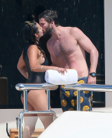 Nina Dobrev and Asustin Stowell enjoy the ocean off the cost the French Riviera (July 26) WyFWZxCR