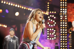 Sarah Hyland - Lip Sync Battle Season 3 Episode 12