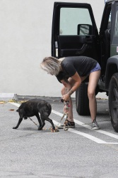 Paris Jackson - Taking her dog to a vet in LA 4/25/17