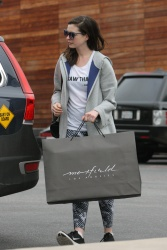 Anne Hathaway - Shopping in West Hollywood 1/5/17