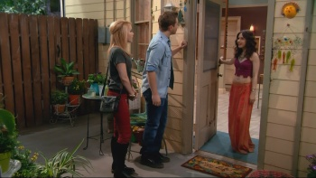 Erin Sanders sexy in Melissa & Joey - S03E28 Catch & Release 1080i HDMania