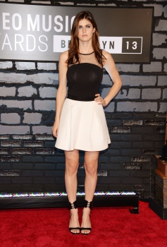 Alexandra Daddario - 2013 MTV Video Music Awards in NY(august 25)