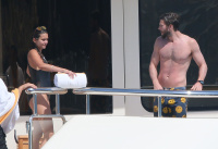 Nina Dobrev and Asustin Stowell enjoy the ocean off the cost the French Riviera (July 26) KdWYljJR