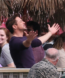 Robert Downey Jr. - On The Set Of 'Iron Man 3' 2012.10.02 - 19xHQ BbkhCZ77