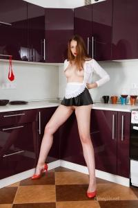 Isabella - In The Kitchen - [famegirls] PcZKLSl7