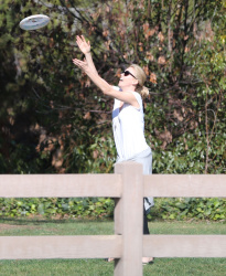 Sean Penn - Sean Penn and Charlize Theron - enjoy a day the park in Studio City, California with Charlize's son Jackson on February 8, 2015 (28xHQ) NGhd24VW
