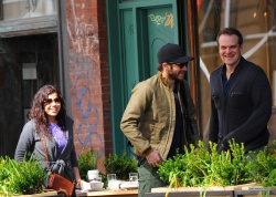 Jake Gyllenhaal & Jonah Hill & America Ferrera - Out And About In NYC 2013.04.30 - 37xHQ J5BOZNGt