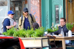 Jake Gyllenhaal & Jonah Hill & America Ferrera - Out And About In NYC 2013.04.30 - 37xHQ JNPcV9Wu