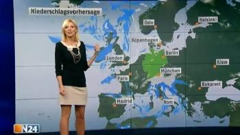 Miriam Pede - N24 - Allemagne  AbigSYuH