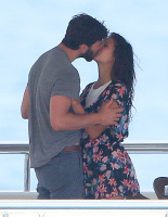 Nina Dobrev and Asustin Stowell enjoy the ocean off the cost the French Riviera (July 26) OLK96hg7