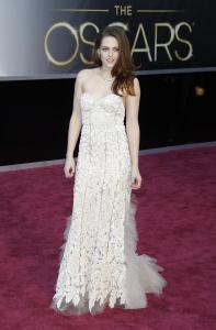 Kristen Stewart - Imagenes/Videos de Paparazzi / Estudio/ Eventos etc. - Página 31 AdcK3U12