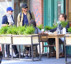 Jake Gyllenhaal & Jonah Hill & America Ferrera - Out And About In NYC 2013.04.30 - 37xHQ 4GURFKNQ
