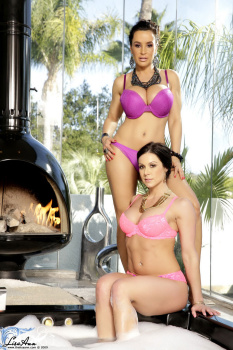 Kendra Lust Lisa Ann - Sexual Divas! Jacuzzi Babes Kendra and Lisa! 30-07