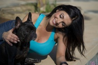 ����� ������, ���� 4981. Denise Milani Playing With The Puppy (High Res) :, foto 4981