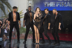 Hailee Steinfeld - Dancing with the Stars Season 24 Finale