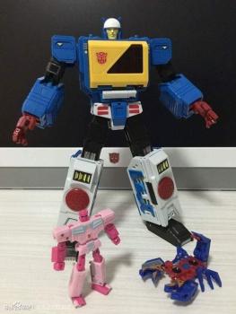 [KFC Toys] Produit Tiers - Jouet Transistor (aka Blaster/Tempo) + DoubleDeck (Twincast) + Fader (aka Eject/Éjecteur) + Rover (aka Autoscout) UQDSA2IU